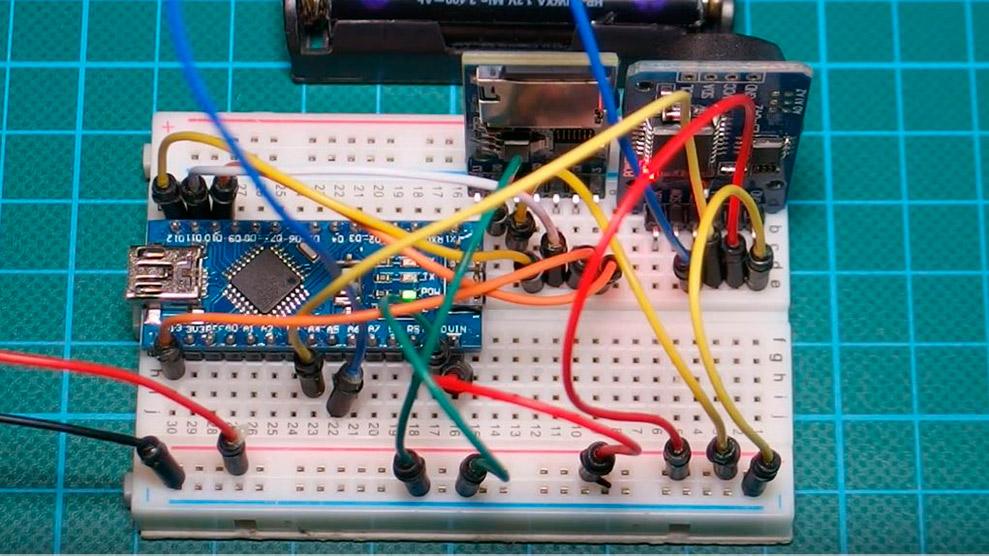 Простой регистратор данных на базе Arduino